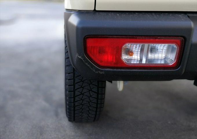 新型ジムニーJB64で215/70R16スタッドレスタイヤ装着